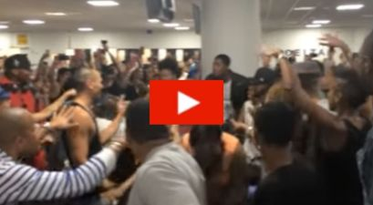 'The Lion King' and 'Aladdin' Broadway Casts Had an Epic Sing-Off While Stuck at the Airport