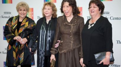 "Lily Tomlin Recalls Falling in Love with Wife Jane Wagner ""Within 2 Minutes"""