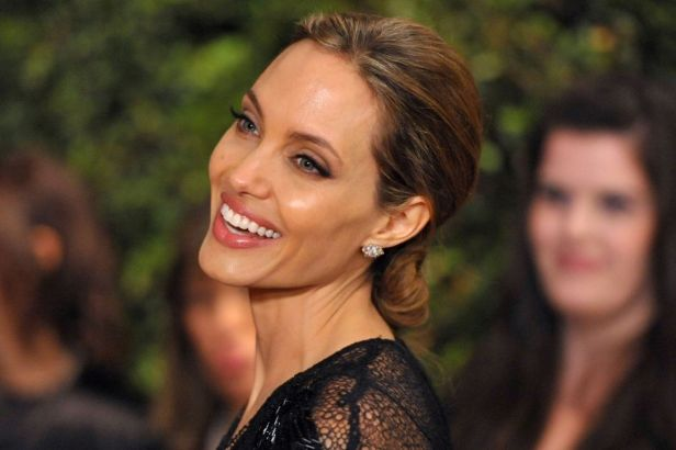 Angelina Jolie Once Hired A Hitman To Kill Her!